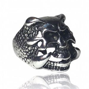 Other - Men's Vintage Gothic Skull Claw Ring